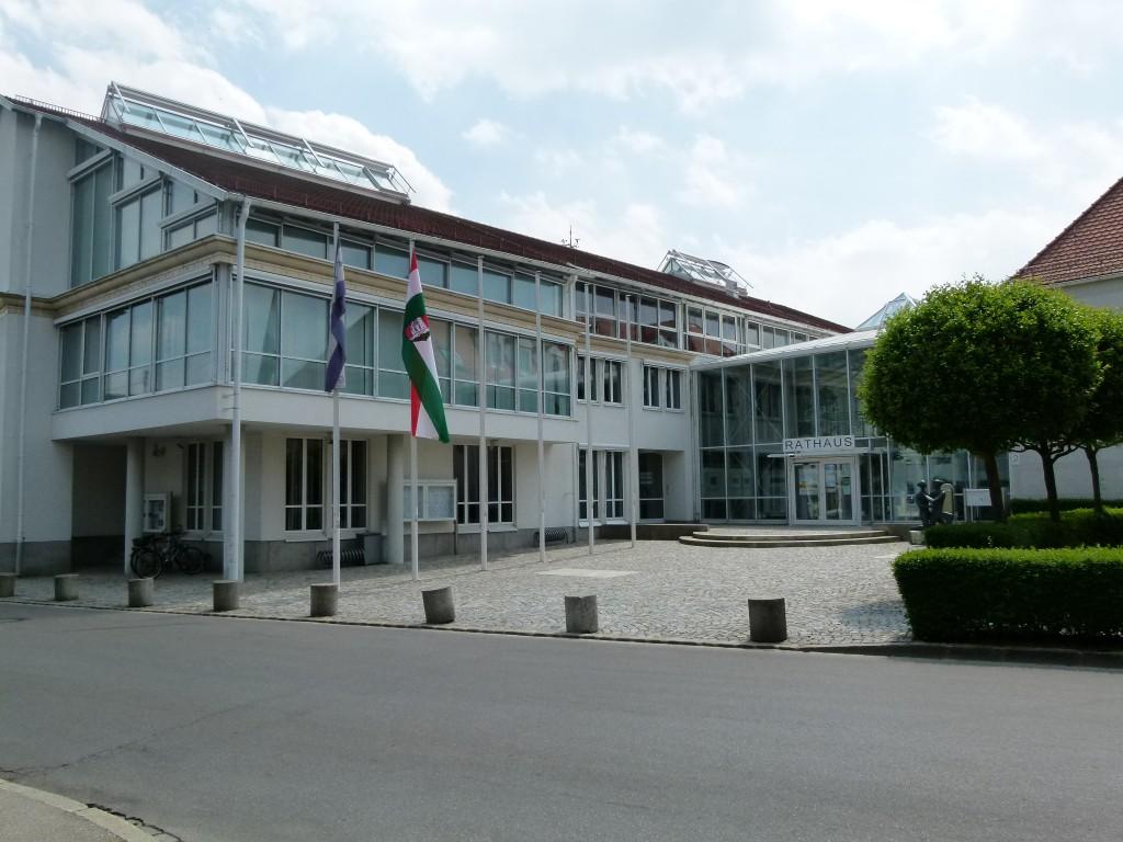 Rathausneubau mit Foyer in Stadtbergen