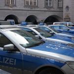 police-cars-271216_1280