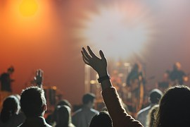 audience-868074__180